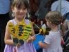 Takie dzikie pszczoły wykonane własnoręcznie z materiałów z recyklingu. Fot. Klub Gaja.