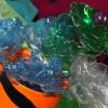 Kwiaty wykonane z plastikowych butelek