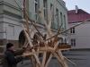 Artysta Waldemar Rudyk rozpoczyna budowę podstaw rzeźby