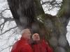 Tree Hunter Rob McBride i Jacek Bożek z Klubu Gaja przy dębie Słowian.